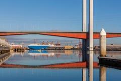 Крупный план моста Bolte и большого грузового корабля Стоковое Изображение RF