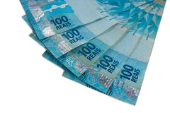 Крупный план на ряде валюты бразильянина 100 Стоковые Фото