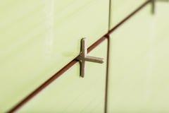 Крупный план незаконченных зеленых керамических плиток Стоковые Фотографии RF