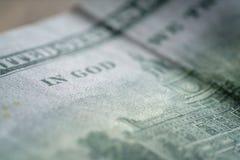 Крупный план новой 100 долларовых банкнот Стоковое фото RF