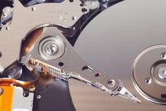 Крупный план открытого жесткого диска компьютера Стоковое Фото