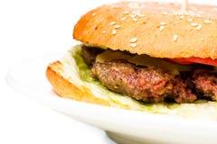 Крупный план очень вкусного бургера овечки с салатом Стоковые Фото