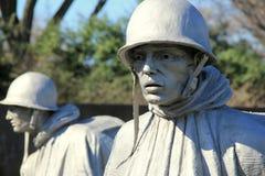 Крупный план одной из 19 скульптур показывая солдат в пересеченной местности, мемориале ветерана Корейской войны, Вашингтоне, DC, Стоковое Изображение RF