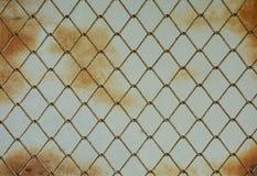 Крупный план пакостный и предпосылка сети металла ржавчины Стоковые Фотографии RF