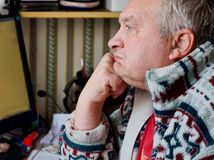 Портрет унылого пожилого человека Стоковое Изображение RF