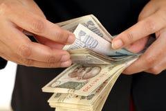Крупный план подсчитывать деньги Стоковая Фотография