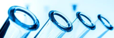 Крупный план пробирок, медицинское стеклоизделие Стоковые Изображения RF