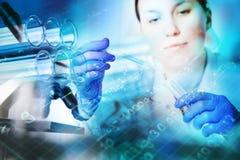 Крупный план пробирок, медицинское стеклоизделие Стоковые Фотографии RF