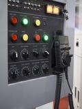 Крупный план пульта управления машины CNC Стоковое Изображение RF