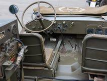 Крупный план рулевого колеса военного транспортного средства Стоковые Фотографии RF