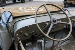 Крупный план рулевого колеса военного транспортного средства Стоковые Фото