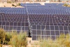 Крупный план системы панели солнечных батарей силы Стоковые Изображения