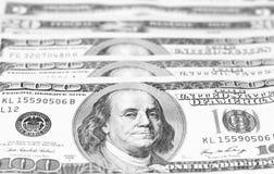 Крупный план счетов доллара США/черно-белое фото Стоковые Фотографии RF