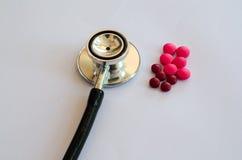 Крупный план таблеток стетоскопа докторов Стоковые Фото