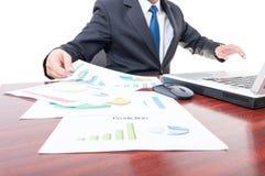 Крупный план финансовых диаграмм и диаграмм Стоковые Фотографии RF