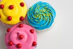 Крупный план цветастые пирожные Стоковая Фотография
