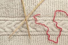 Крупный план части ткани knit и вязать иглы Стоковое Фото
