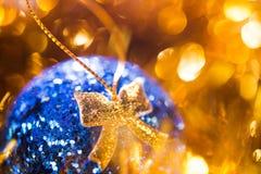 Крупный план шарика рождества Стоковая Фотография RF