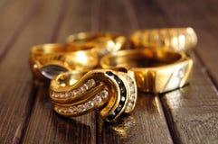 Крупный план ювелирных изделий золота стоковое фото rf