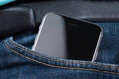 Крупный план iPhone 6 Яблока в карманн Стоковое фото RF