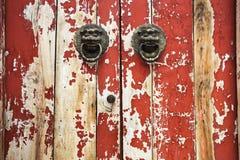 Mottled старый крупный план двери стоковое фото rf