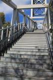 Крутая внешняя лестница в Портленде, Орегоне стоковые фото