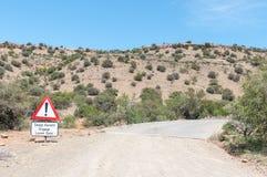 Крутой взойдите предупреждающ в национальном парке зебры горы Стоковые Фото