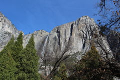 Крутой национальный парк Yosemite горных склонов Стоковые Фотографии RF
