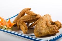 крыла зажаренные цыпленком стоковое изображение