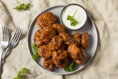 Крыла цыпленка барбекю бескостные стоковое изображение rf