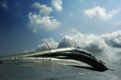 крыло взгляда двигателя воздушных судн воинское Стоковая Фотография RF