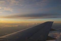крыло захода солнца стоковое изображение