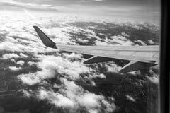 Крыло самолета в черно-белом Стоковые Изображения RF