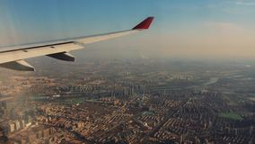 Крыло самолета от окна акции видеоматериалы