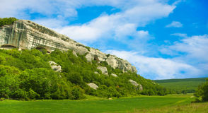 Крым fields зеленое небо гор Стоковое фото RF