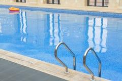 Крытый бассейн стоковое изображение rf