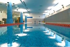 Крытый плавательный бассеин Стоковые Фото