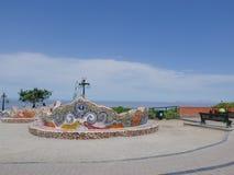 Крыть черепицей черепицей стенд в парке влюбленности расположенном в Лиме Стоковое Изображение RF