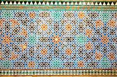 Крыть черепицей черепицей восточная стена мозаики в королевских Alcazars Севильи, курорта Стоковые Изображения RF