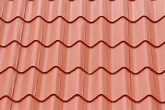 Крыть черепицей черепицей красная крыша для предпосылки Стоковые Изображения