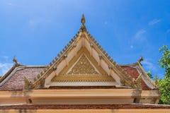 Крыша в тайском стиле виска стоковые фотографии rf