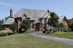 крыша дома кедра кирпича большая Стоковые Изображения RF