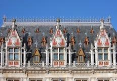 Крыша здание муниципалитета Кале, Франции стоковые фотографии rf