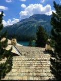 Крыша и Альпы St Moritz Швейцарии стоковая фотография rf