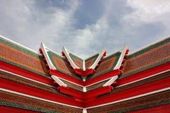Крыша и пасмурное Стоковые Изображения RF
