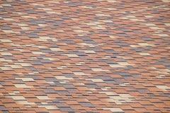 Крыша от пестротканых битумных гонт Сделанные по образцу гонт битума стоковые изображения rf