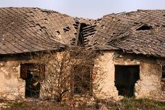 крыша повреждения стоковое фото rf