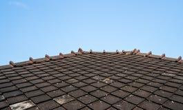 Крыша старого стиля Таиланда деревянная Стоковое Изображение
