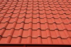 Крыша с красными крышами стоковое изображение rf
