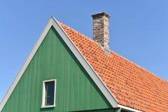 Крыша с печной трубой Стоковые Фото